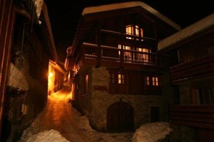 chalet-appolonie-outside-2