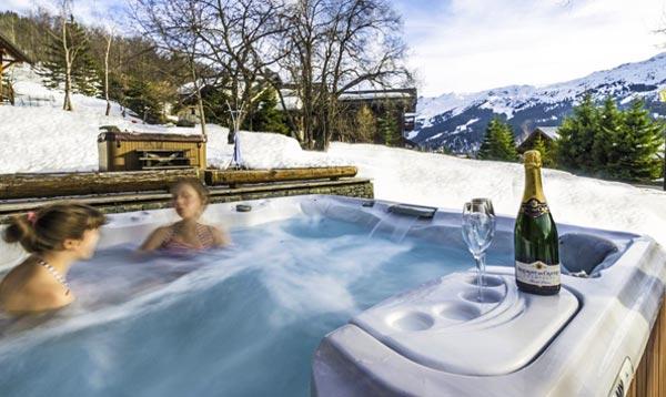 chalet-aurigny-hot-tub
