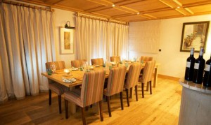 chalet-bellevue-6-bedrooms-dining-room