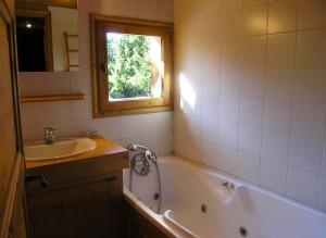 chalet-bonmartin-bathroom2