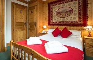 chalet-bruyere-bedroom-double-2