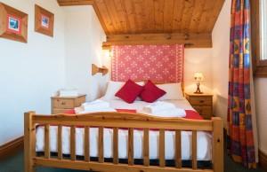 chalet-bruyere-bedroom-double-3