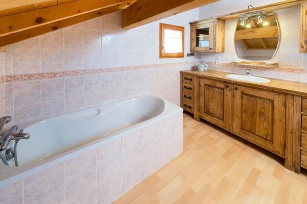 chalet-campanules-bathroom