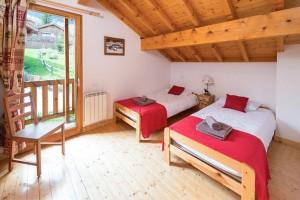 chalet-campanules-bedroom