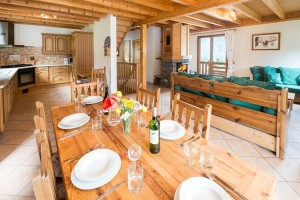 chalet-campanules-dining