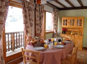 chalet-christiane-dining