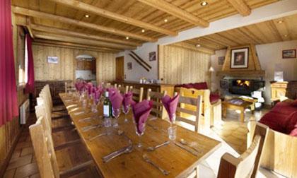 chalet-cote-darlin-7bedrooms-dining