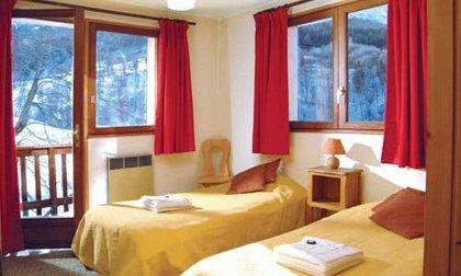 chalet-cote-darlin-7bedrooms-twin-bedroom