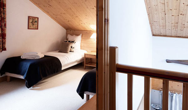chalet-epena-twin-bedroom2