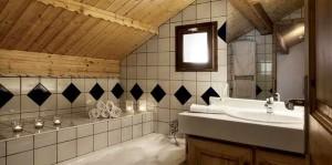 chalet-etoile-meribel-village-bathroom