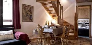 chalet-etoile-meribel-village-dining-room