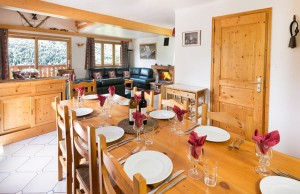 chalet-evergreen-dining