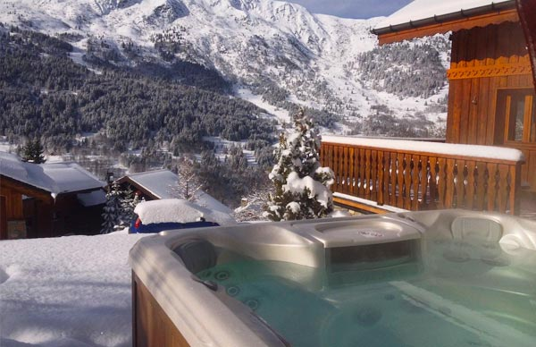 chalet-evergreen-hot-tub