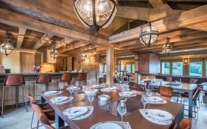 chalet-lecume-des-neiges-dining