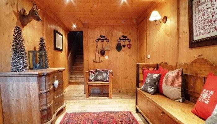 chalet-levanna-hallway