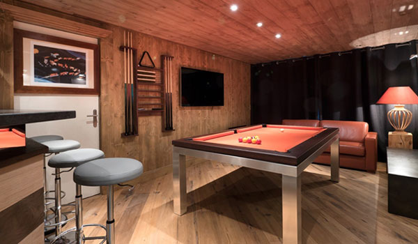 chalet-marie-fleur-pool-table