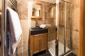 chalet-phoenix-bathroom