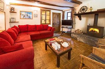 chalet-phoenix-lounge-small