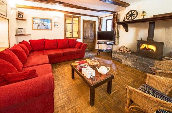 chalet-phoenix-lounge