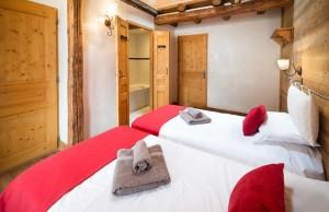 chalet-pied-de-voute-bedroom