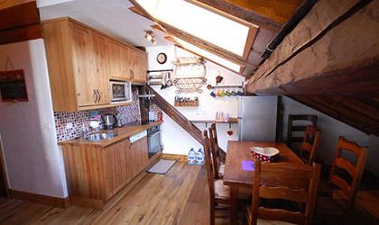 chalet-piton-kitchen