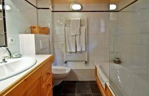 chalet-rachelle-bathroom