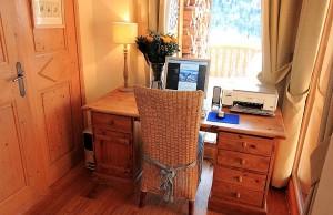 chalet-rachelle-office