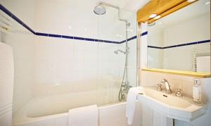 chalet-tourterelle-bathroom