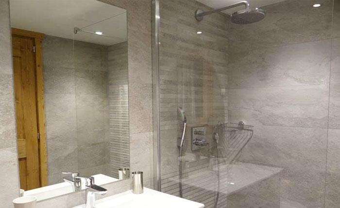 chalet-vanakem-bathroom2
