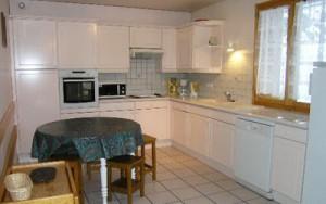 chalet-vent-de-galerne-kitchen