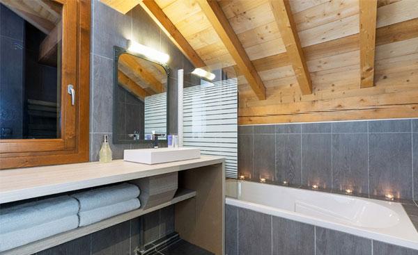 chalet-zebra-bathroom