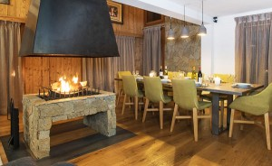 chalet-zebra-dining-room