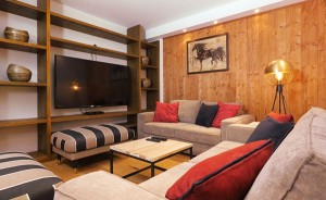 chalet-zebra-television-room