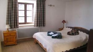 chez-leone-bedroom2