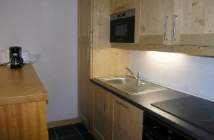Aubepine-1-bedroom-kitchen