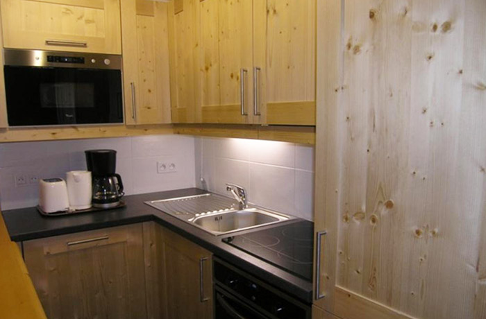 Aubepine-1-bedroom-kitchen3