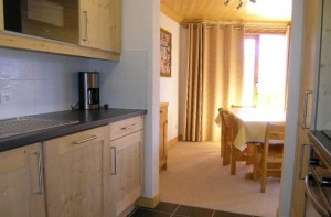 Aubepine-1-bedroom-kitchen4