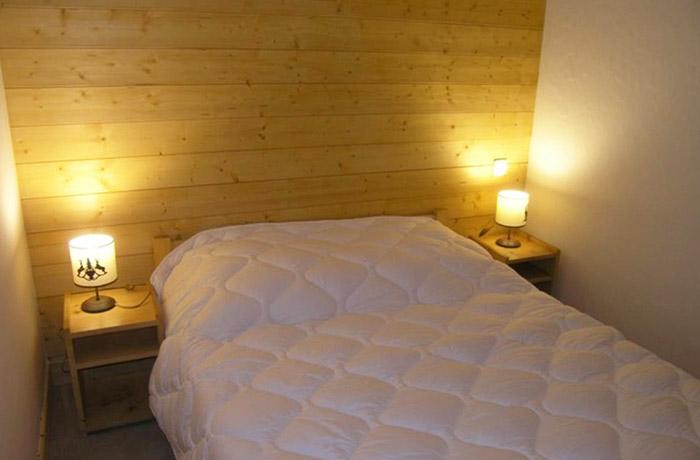 Aubepine-1-bedroom3