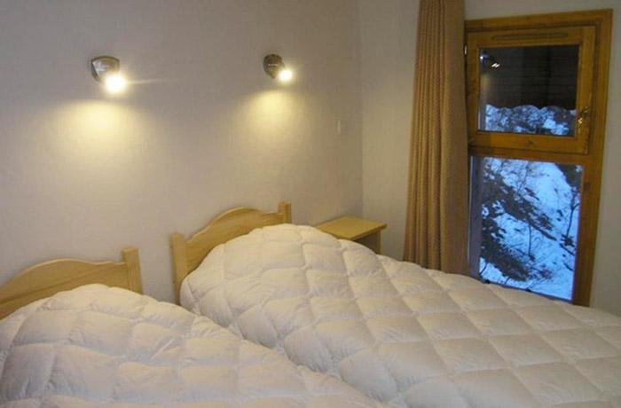 Aubepine-1-bedroom4