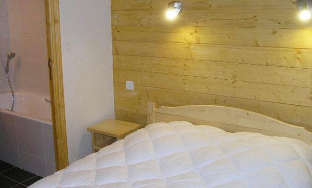 Aubepine-4-bedrooms-bedroom