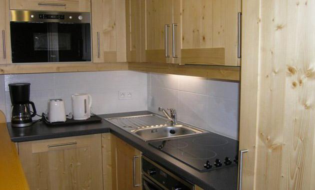Aubepine-4-bedrooms-kitchen