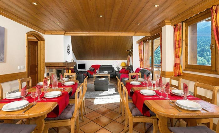 Chalet-Apartment-Le-Rocher-dining