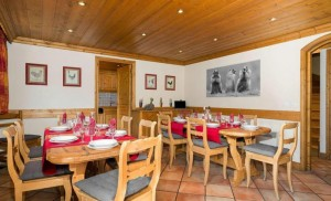 Chalet-Apartment-Le-Rocher-dining2