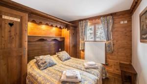 FMV-bedroom2