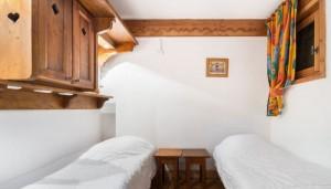 FMV-bedroom3