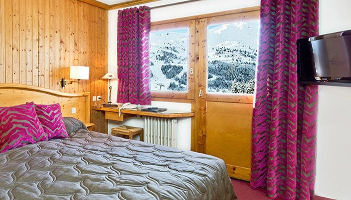 Hotel-LOree-du-Bois-bedroom