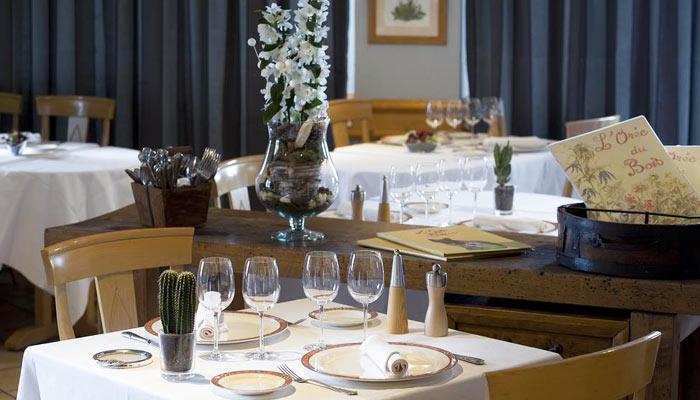 Hotel-LOree-du-Bois-dining2