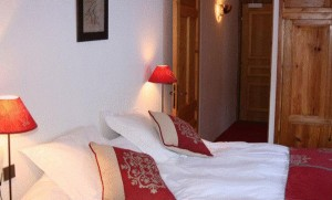 Hotel-Lac-Blue-bedroom5