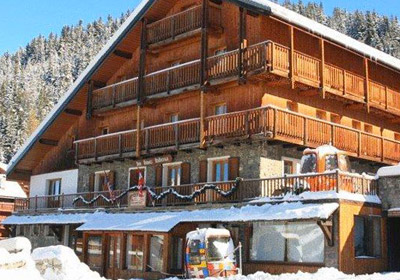 Hotel-Lac-Blue-outside1-small