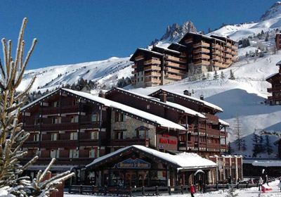 Hotel-Mont-Vallon-Outside3-small